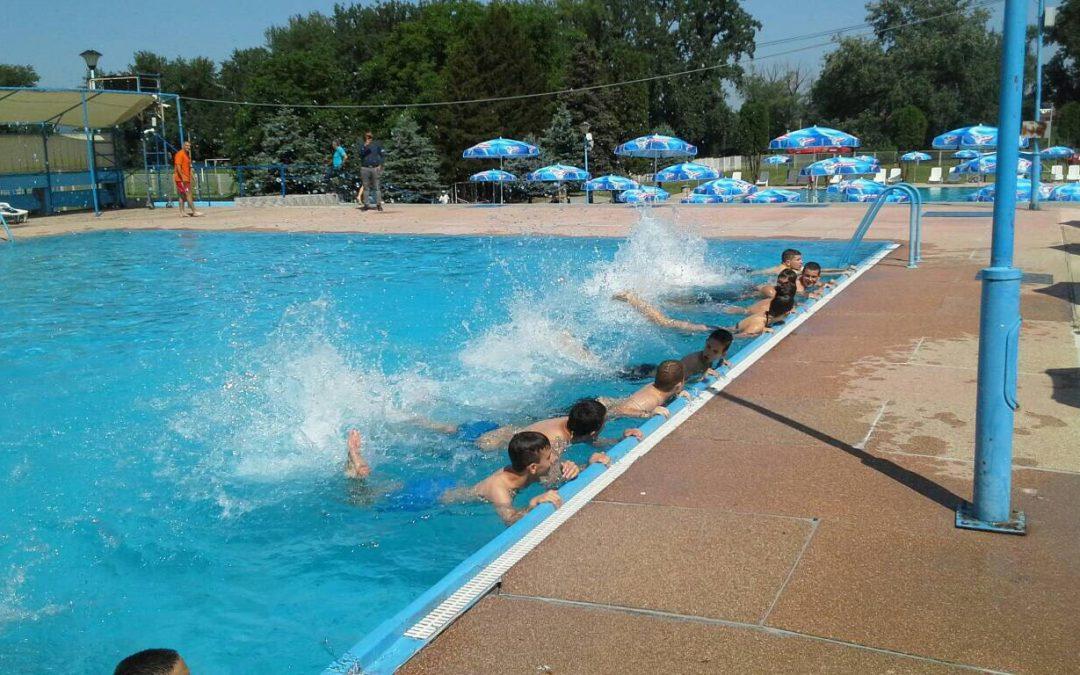Школа пливања ради пуним темпом