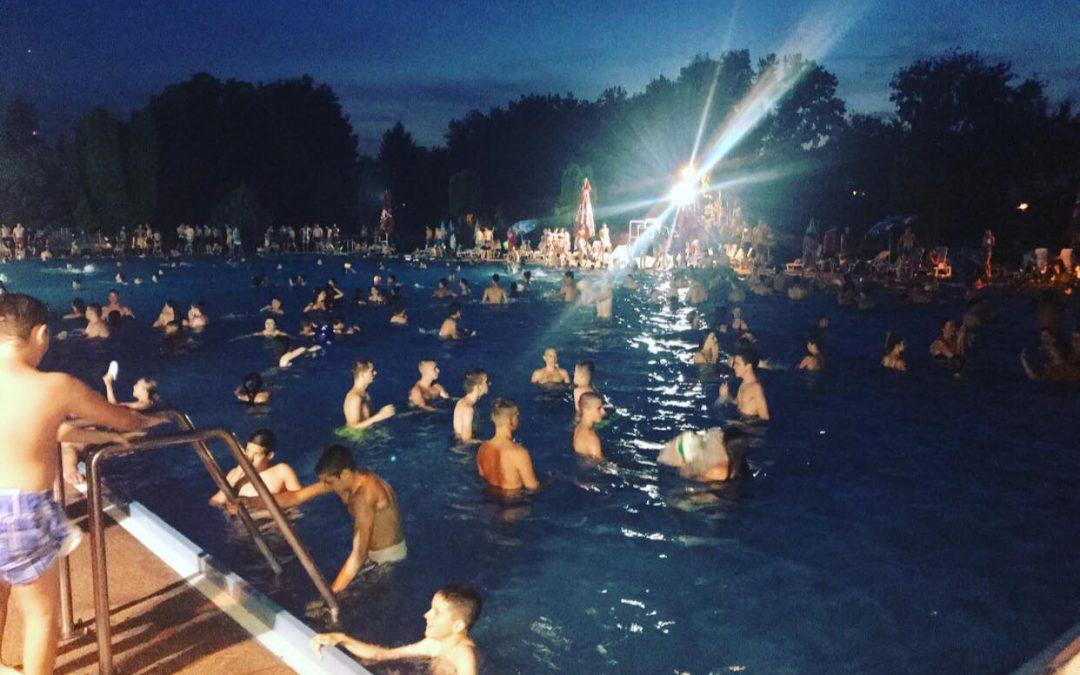 Ноћно купање потукло све рекорде (ВИДЕО)